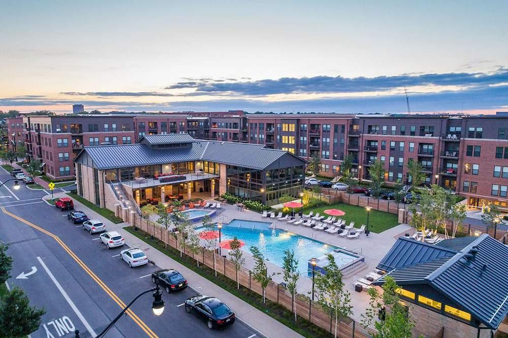 Grandview-Yards-apts-w-pool